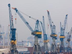 Containerkräne im Hamburger Hafen